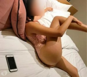 Waiba live escort in South Lyon